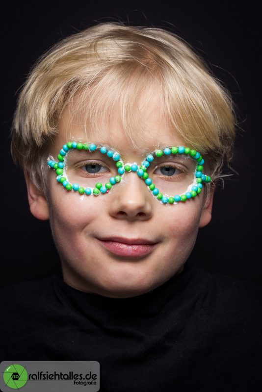 Eine Brille aus Lieberperlen