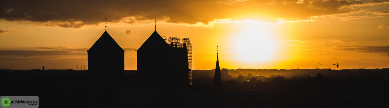 Dank münsterBLOGs konnte ich den Sonnenuntergang über dem Dom fotografieren