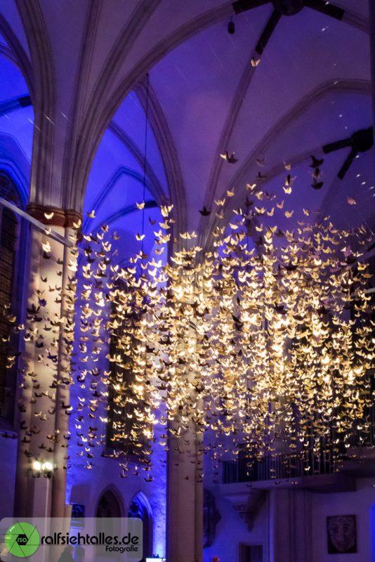 Cityadvent 2017 - 3333 goldene Tauben in der Überwasserkirche