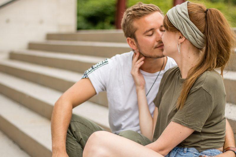 Küsse auf der Freitreppe